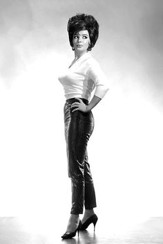 Blaze Starr aka. Miss Spontaneous Combustion.. Vintage 60s-era promo photo..