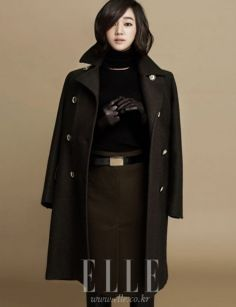 Additional Spreads Of Soo Ae In Elle Korea's October Edition Korean Face, Popular Tv Series, Korean Actresses, Girl Day, Movie Stars, Pop Culture, Beautiful People, Raincoat, Asian
