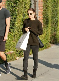 rooney-mara-street-style-out-shopping-in-los-angeles-12-9-2015_1.jpg (1280×1757)