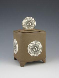 Faith Rahill by Oregon Potters .. i like the shape .. and legs ..