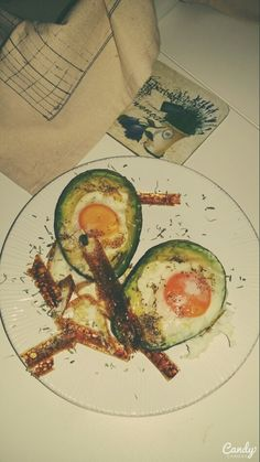 Egg avocado . See facebook page Veronique Lifestyle.
