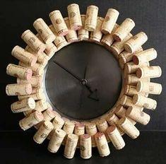 Riciclare i tappi di sughero per creare un orologio