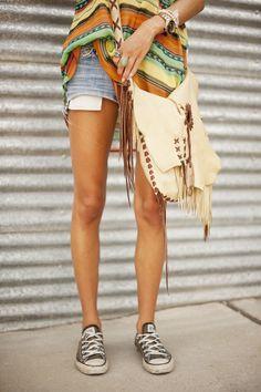Super Outfit für ein entspanntes Festival! #Chucks #Shorts #Beuteltasche -stylefruits Inspiration-