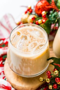 This Eggnog White Russian is a fun holiday twist on the classic vodka cocktail! Made with eggnog, coffee liqueur, vodka, and a dash of nutmeg! Vodka Recipes, Alcohol Drink Recipes, Cocktail Recipes, Cocktail Drinks, Party Drinks, Yummy Drinks, Yummy Food, Classic Vodka Cocktails, Margaritas