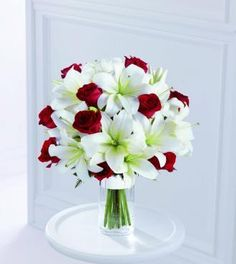 red and white bouquet. flower decorations. centerpiece ideas