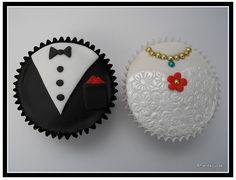 Bride and Groom Wedding Cupcakes!