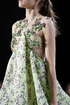 Giambattista Valli Fall 2015 Couture - Details - Gallery - Style.com