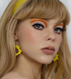 eye makeup looks ideas, eyeshadow makeup ideas, eyeliner tutorial step by step, colored eyeliner, how to wear colorful eyeliner, eyeliner for brown eyes, woterline colored eyeliner, liner color eye, eyeliner makeup for beginners #eyeliner #makeup #eye #eyeshadow #how-to-do