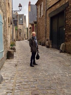 Room With A View – Conflans-sur-Anille . Wandering in old Plantagenet City in Le Mans.