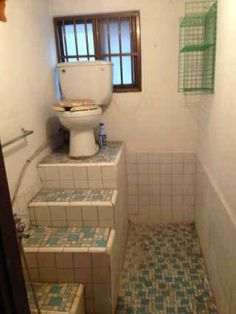 After looking at these photos of epic bathroom fails your days of complaining will be over. You'll learn to appreciate your toilet. Objet Wtf, Construction Fails, Design Fails, You Had One Job, Bathroom Humor, Funny Fails, Funny Jokes, Interior Design Living Room, Design Bedroom