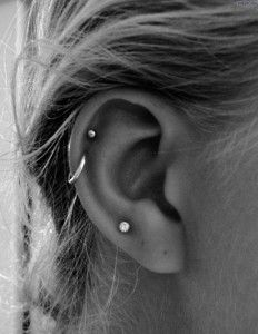 Double cartilage piercing with stud and hoop