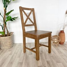 Reclaimed Wooden Dining Chair handcrafted using solid wood throughout. Wooden dining chair comes with Free UK Delivery! Wooden Dining Chairs, Reclaimed Wood Dining Table, Reclaimed Wood Furniture, Dining Room, Free Uk, Solid Oak, Vintage Designs, Delivery, Industrial