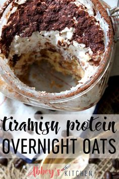 These Tiramisu Protein Overnight Oats are the perfect make ahead breakfast to save you time in the morning and get in a healthy breakfast abbeyskitchen proteinoats tiramisuoats makeaheadbreakfast # Protein Overnight Oats, Best Overnight Oats Recipe, Overnight Oats In A Jar, Healthy Make Ahead Breakfast, Oatmeal Recipes, Clean Eating Snacks, Smoothie Recipes, Cooking Recipes, Cooking Tips