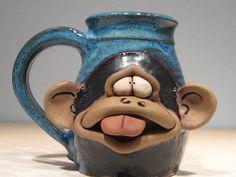 Sassy Monkey Mug .... por MudFairy en Etsy