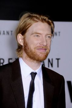"""Domhnall Gleeson at the premiere of """"The Revenant"""" at the TCL Chinese Theatre in Hollywood. #redcarpet #therevenant"""