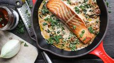 Zalm in citroen-roomsaus - Beaufood Grill Pan, I Love Food, Kids Meals, Grilling, Dinner Recipes, Food And Drink, Healthy Recipes, Fish, Meat