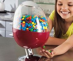Automatic Candy Dispenser - It's motion activated with a built-in sensor, so great for preventing the spread of germs and bacteria. Fun for all your family and friends and great to use at children's parties.