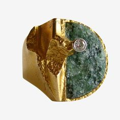 A rare gold, diamond and zoisite ring designed by Finnish master jeweler, Bjorn Weckstrom. Ring is entitled Quebec. Modern Jewelry, Jewelry Art, Fine Jewelry, Jewelry Design, Jewellery, Jewelry Rings, Silver Jewelry, Celtic Wedding Rings, Wedding Rings Vintage