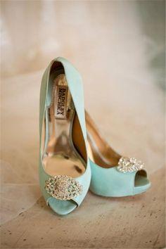 light blue wedding shoes - Badgley Mischka Love it! Light Blue Wedding Shoes, Aqua Wedding, Blue Bridal, Summer Wedding, Dream Wedding, Cute Shoes, Me Too Shoes, Color Menta, Fru Fru