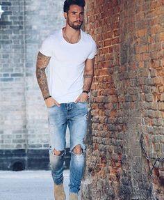 White tshirt with ripped denim ⋆ Men's Fashion Blog - #TheUnstitchd