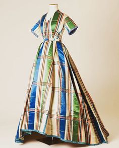More museum collections and curators to whom I am indebted for their knowledge and facilities. Here the Fashion Museum, Bath. Always a fantastic place to study objects & see treasures such as this 1860s silk tartan dress which looks so much more recent..... #fashionmuseumbath #fashionmuseum #fashionhistory #research #curator #1860s #1860sfashion #silk #tartan #shortsleeve #victorianstyle #victorian