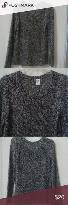 "Vero moda women size large sweater Gently worn, black and white crochet pattern, long sleeve, pullover, acrylic, chest 48"", length 24"" Vero moda Sweaters"