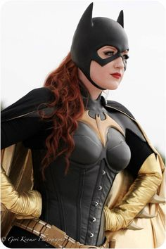 Save Gotham City with this Batgirl Cosplay!