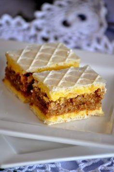 Mogu reci da je kolac jako fin,mada nisam pretjerani ljubitelj oblatne ali sve se lijepo uklopilo,krema,biskvit,oblatna...jos samo...
