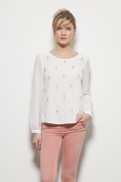 84 Best Design images   Grace o malley, Neckline, Blouse 98b1de0d74cb
