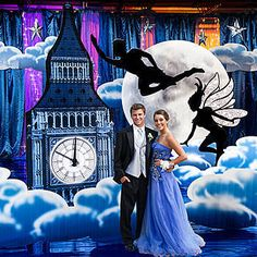 The A Night in Neverland Kit will have your guests in the clouds over London. The standee of the Big Ben and large moon will create a magical look.
