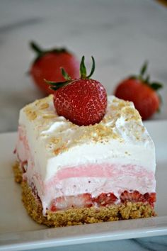 These Strawberry Cheesecake Dream Bars are layers of graham crackers, strawberries, and more. It's the perfect NO-BAKE dessert for strawberry season!(Strawberry No Baking Cheesecake) No Bake Desserts, Easy Desserts, Delicious Desserts, Yummy Food, Baking Desserts, Diabetic Desserts, Desserts For Easter, Baking Cookies, Pudding Desserts