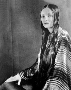 wehadfacesthen:  Natacha Rambova, designer and wife of Rudolf Valentino   -viacolettesaintyves