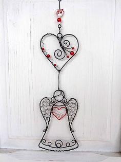 Dekorácie - srdce anjela...girlanda - 6563040_ Wire Ornaments, Wire Flowers, Wire Art, Dreamcatchers, Xmas Tree, Suncatchers, Holidays And Events, Wire Wrapping, Metal Working