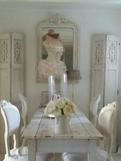 Shabby Chic dining at its finest