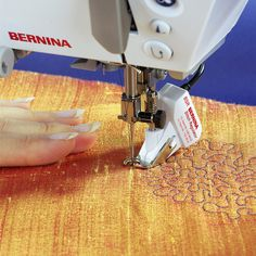learn to use the BERNINA stitch regulator
