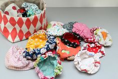 La mini qui détrône la boule - Little Clary Diy Cadeau Noel, Sewing Online, Loom Knitting, 4th Of July Wreath, Diy And Crafts, Creations, Homemade, Tours, Click Click