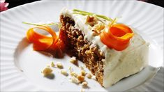 Gulrotkaken egner seg godt til frysing (helst uten glasur). Norwegian Food, Carrot Cake, Let Them Eat Cake, Yummy Cakes, No Bake Cake, Carrots, Waffles, Sweet Tooth, Bakery