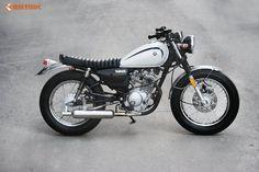 Yamaha 125, Yamaha Bikes, Old Motorcycles, Tracker Motorcycle, Moto Bike, Yamaha Cafe Racer, Auto Retro, Japanese Motorcycle, Honda Cb750