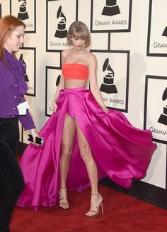 Calvin Harris Congratulates 'Beautiful Girlfriend' Taylor Swift on Grammy Wins: Photo Taylor Swift grins after winning an armful of awards at the 2016 Grammys held at the Staples Center on Monday (February in Los Angeles. The singer…Grammy: l'ing Taylor Swift Legs, Estilo Taylor Swift, Long Live Taylor Swift, Taylor Swift Style, Taylor Swift Pictures, Taylor Alison Swift, Katarina League Of Legends, Beautiful Girlfriend, Femmes Les Plus Sexy