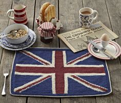 Learn to make this Jubilee placemat in The Knitter issue 45!