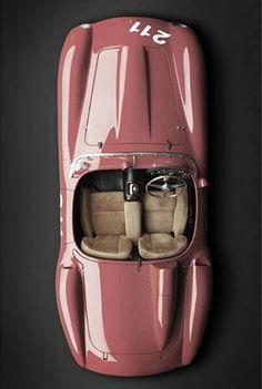 Ferrari Jaguar E-Type If you buy an expensive sports car, surely orange is the only way to go High Sport from McLaren Bentley Classic Sports Cars, Luxury Sports Cars, Classic Cars, Porsche Autos, Bmw Autos, Mercedes Auto, Sexy Cars, Hot Cars, Porsche Sportwagen