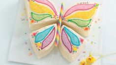 Cómo hacer tartas infantiles de mariposa, sin moldes especiales. Tartas infantiles fáciles. Cómo hacer una tarta de cumpleaños en forma de mariposa.