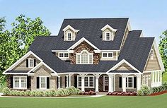 Plan No: W46262LA Style: Traditional Total Living Area: 2,754 sq. ft.   Attached Garage: 3 Car, 561 sq. ft. Bedrooms: 4 Full Bathrooms: 3 Half Bathrooms: 1  Special Collections: Corner Lot Special Features: 1st Floor Master Suite, Butler Walk-in Pantry, Bonus Room, CAD Available, PDF, Split Bedrooms, Wrap Around Porch