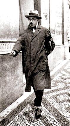 Fernando Pessoa,Lisbon,1930's