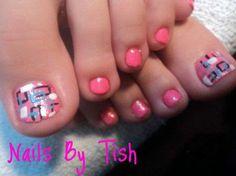 retro nail design by Tish