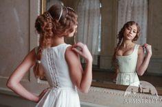 Renaissance Korsett im Firenze Stil Mode Renaissance, Renaissance Dresses, Medieval Dress, Medieval Clothing, Italian Renaissance, Emillia Clark, Wedding Corset, Corsets, Victorian Dresses