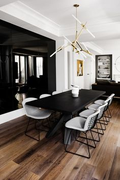 Salle à manger – Artwork bought in Singapore. Bonaldo 'Big' dining table from [Pad… … Dining Table Design, Modern Dining Table, Black Dinning Room Table, Metal Dining Room Chairs, Black And White Dining Room, Black Dining Chairs, Elegant Dining, Outdoor Dining, Black White