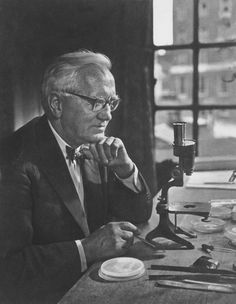 September 15, 1928    Alexander Fleming discovers penicillin    On this day in 1928, Scottish bacteriologist Alexander Fleming discovered the antibiotic penicillin. Fleming's discovery revolutionized medicine and has saved countless people from fatal infections.