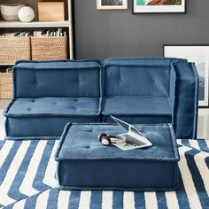 Low Couch, Lounge Couch, Black And White Chair, White Chairs, Black White, Teen Lounge, Clean Sofa, Sofa Shop, Lounge Seating