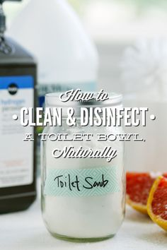 How to naturally clean a toilet bowl and disinfect! This recipe and guide to naturally cleaning a toilet bowl will leave your bathroom smelling fresh and. Homemade Cleaning Products, Cleaning Recipes, Natural Cleaning Products, Cleaning Hacks, Natural Products, Cleaning Supplies, Diy Cleaners, Cleaners Homemade, Household Cleaners